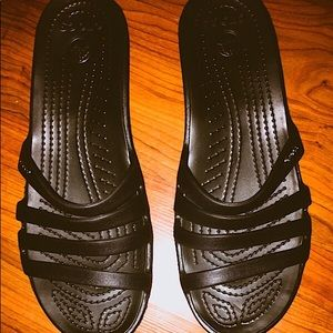 Crocs 4 strap sandals, black